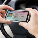Коди і обмеження: в Україні будуть оновлювати водійські права