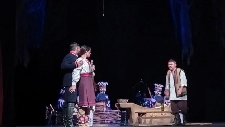 «Украдене щастя»: полтавський театр подарував миколаївцям відому п'єсу