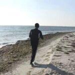 Національний рекорд: поліцейський з Миколаєва пробіг вздовж найбільшого в Україні острова Джарилгач